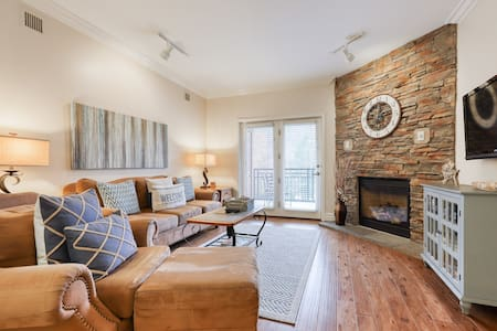 Luxe downtown condo w/ balcony, fireplace & shared hot tub/pool!