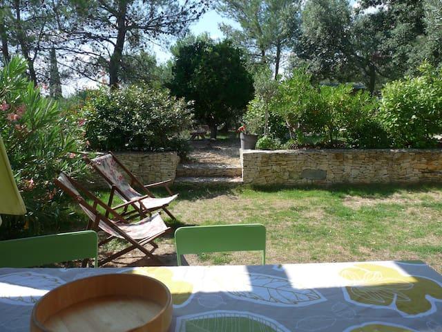 Maison et piscine en garrigue Nimes - Nîmes - Dom