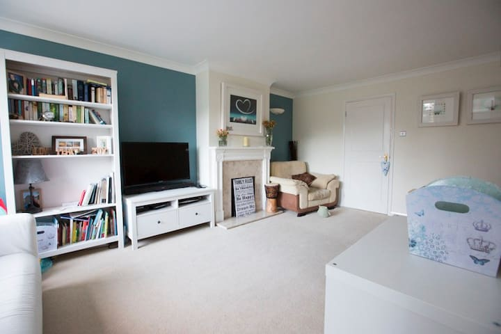3 bedroom family home - Chichester - Haus