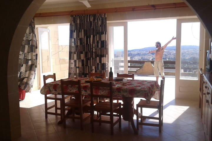 Superoffer whole apartment near the sea and ferry - Qala