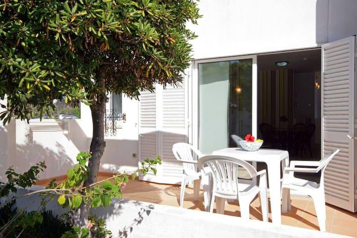 Prado VIllas - Pool View Deluxe Villas
