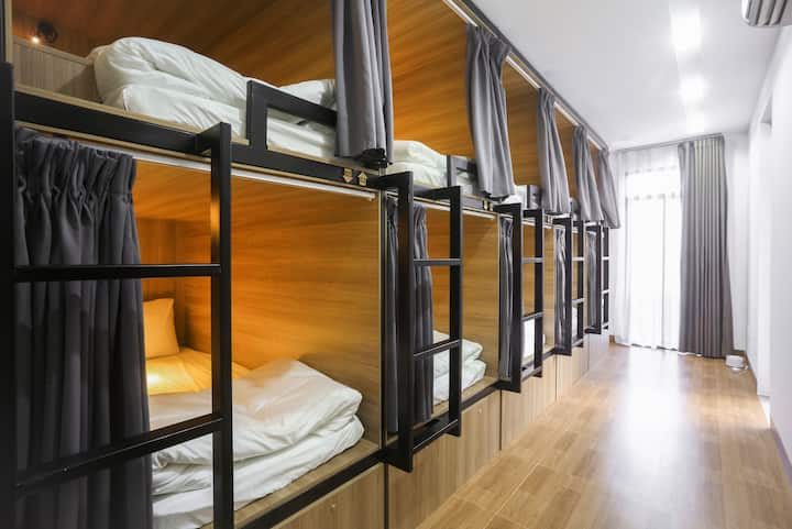 UNISEX DORMITORY ROOM - The Rooster