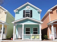 Beautiful+Comfortable+Cottage+One+Block+To+Beach%21