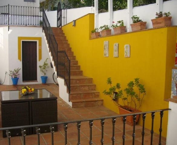 Apartment 1, Grnd Flr, Patio & WIFI - Gaucín - Appartement