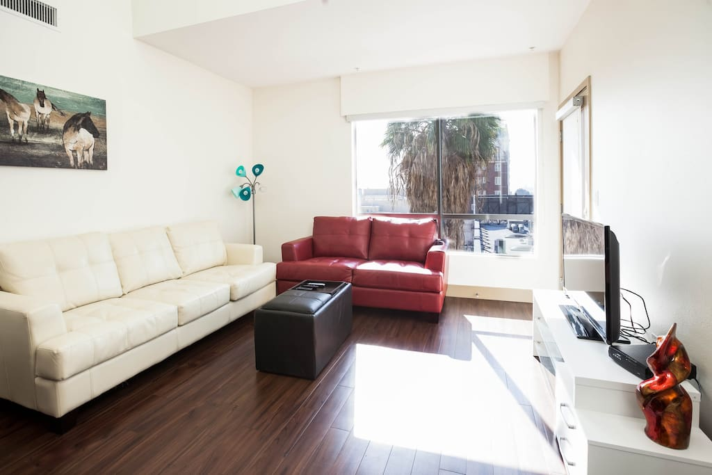 2 Bedroom Apt Center Of Hollywood Apartments For Rent In Los Angeles California United States