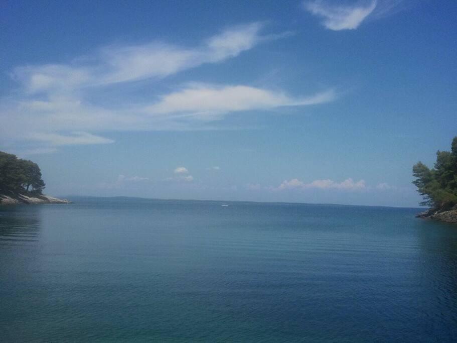 2 km to the beach Studencic or Liski