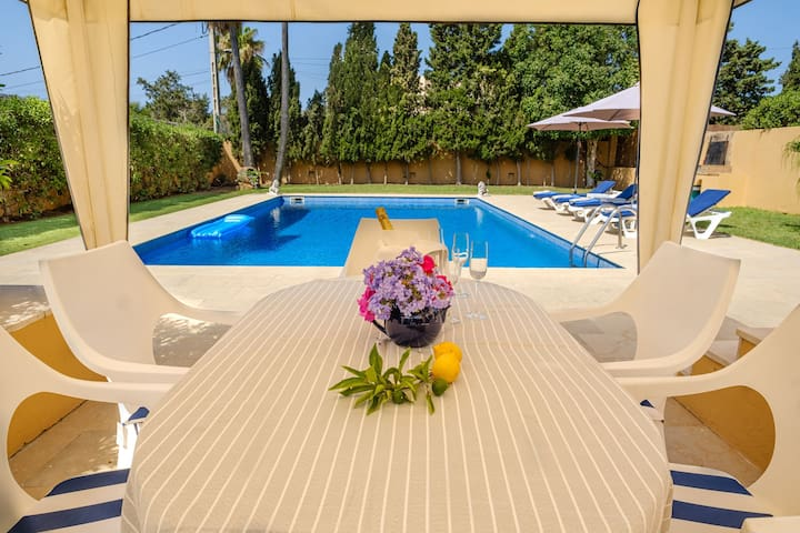 Air-Conditioned Villa with Pool, Jacuzzi, Garden, Terrace & Wi-Fi; Parking Available