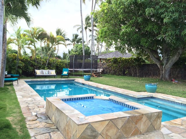 Remodeled & 3 Blocks from Beach - Kailua - Casa