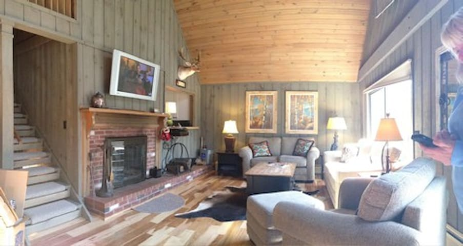 Spectacular Ossipee NH Lake Home - Ossipee - บ้าน