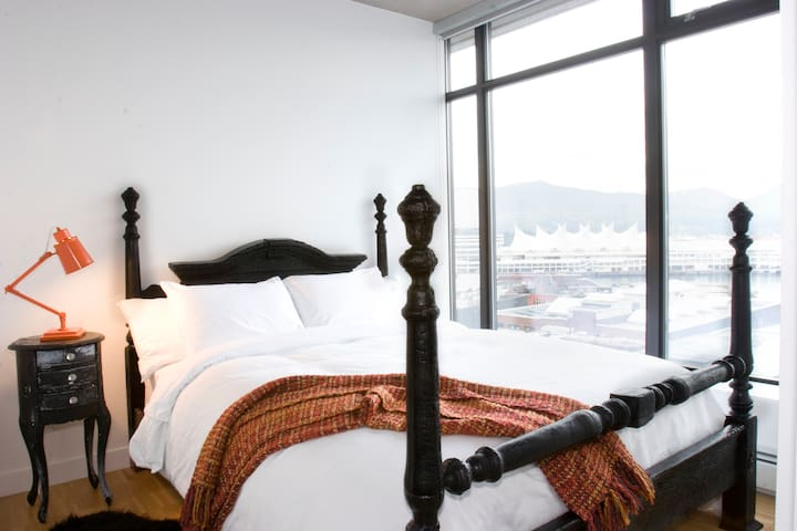 Incredible views, Private Bedroom and Bathroom - Vancouver - Flat
