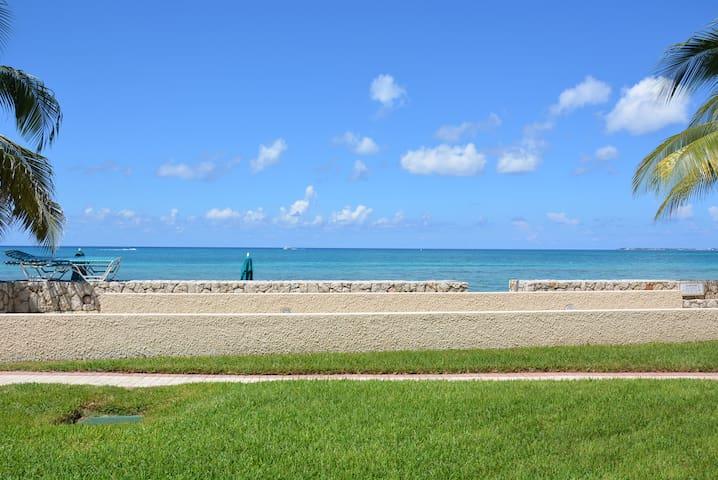 Oceanfront condo at SevenMileBeach