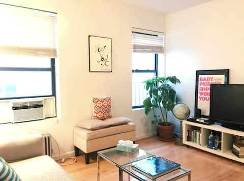 """""""ADORABLE DOWNTOWN APT CENTRAL TO ALL 🤩- NYC"""""""