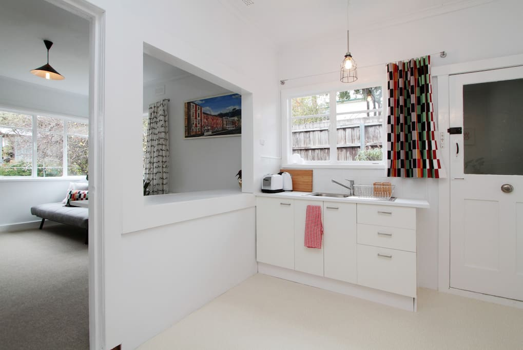 The Pad has been recently renovated with new floor coverings, paint, curtains and kitchen.