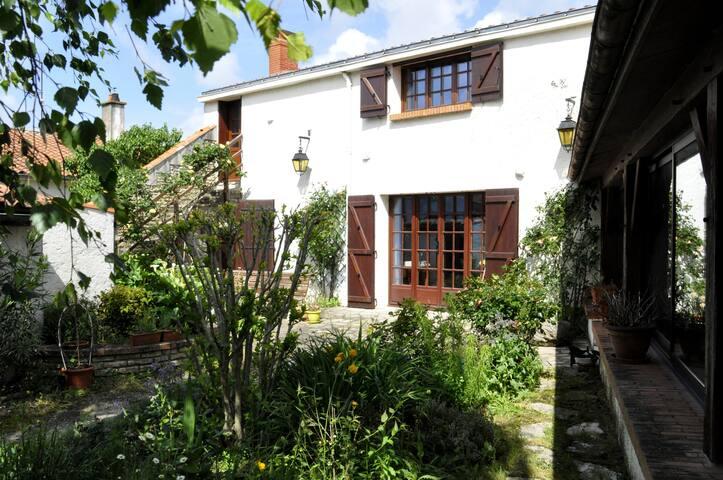 Chambre cosy à 9km de la mer - Saint-Michel-en-l'Herm - Casa