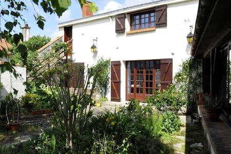 Chambre cosy à 9km de la mer - Saint-Michel-en-l'Herm - Haus