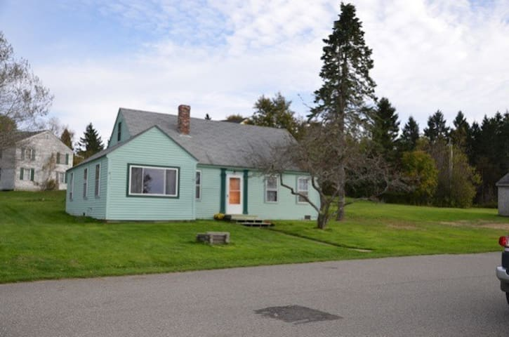Quoddy Cottage (Rossport) Sleeps 8 - Eastport - Haus