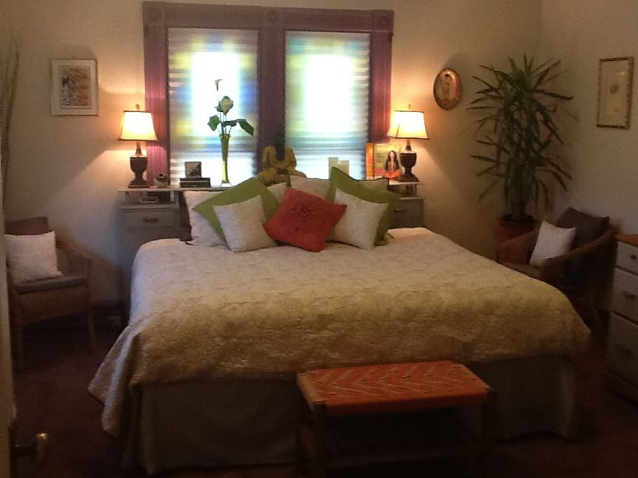 Master bedroom with king bed, very comfy!  400 tc sheets, all 100% cotton bedding, duvet or lightweight quilt, multiple pillow choices.