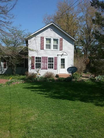Quaint little house near Rockford IL