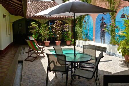 """Casa Silas B & B """"Bienvenidos"""" - Granada - Bed & Breakfast"""