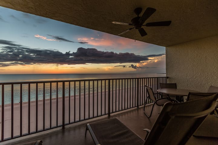 Lounge chairs to view this stellar sunset!