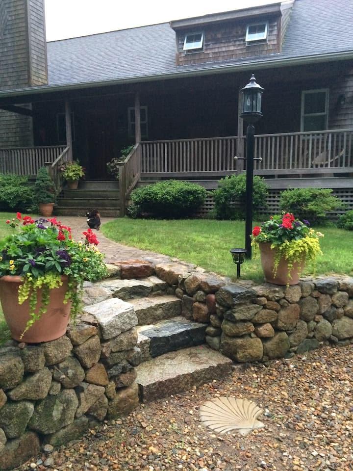 Vineyard Hills Suite