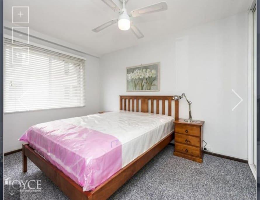 标准卧室,带衣柜