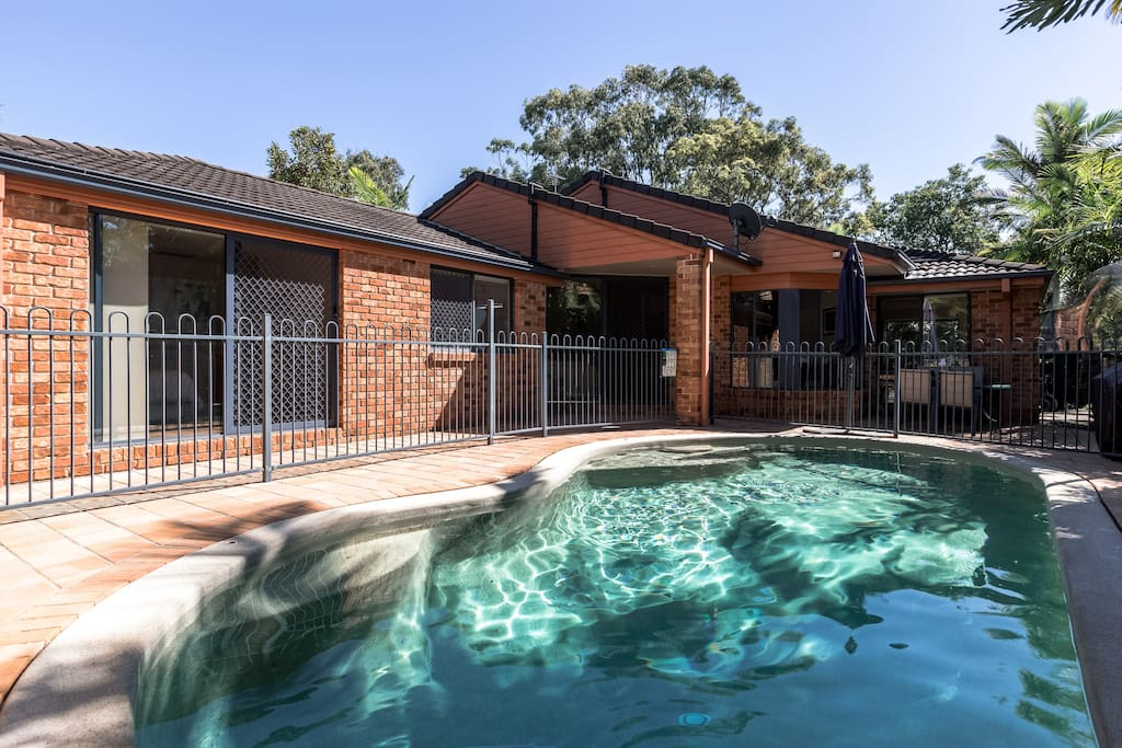 Solar Heated Saltwater Pool to relax in all day long...