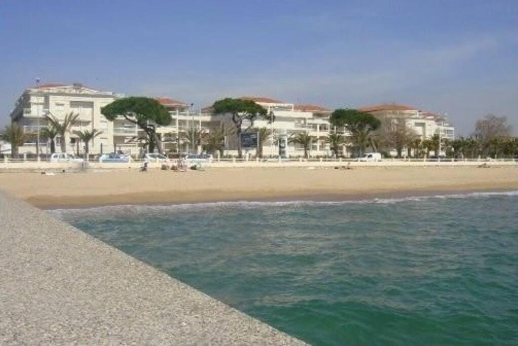location right on the sandy beach