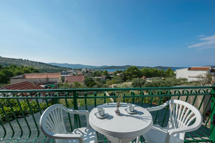 One bedroom Apartment, in Zaboric (Sibenik), Balcony