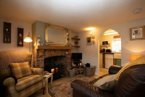 A cosy 1 bed grade 2 listed cottage & log burner