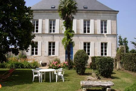 Grande maison à proximité de Royan - Épargnes