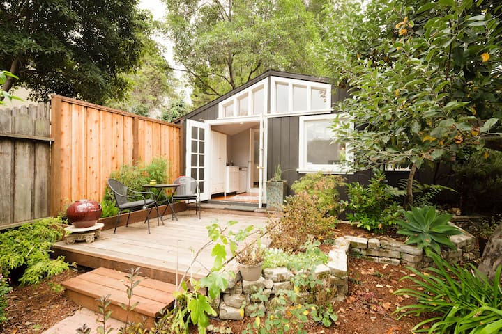 Private cottage in enclosed gardens - Oakland - Haus