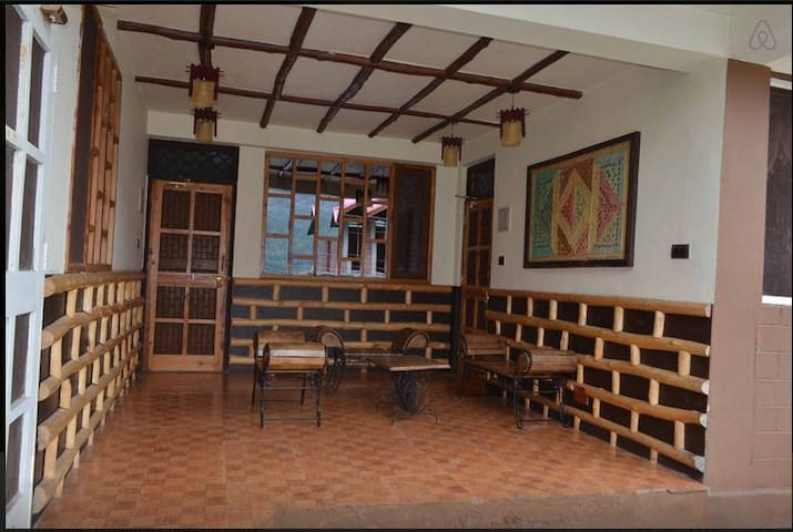 Himachal Valley's Manorama Cotages - Manali - House
