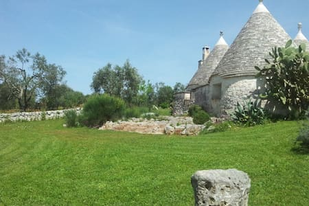 B&B La Gufa Trullo in Itria Valley. - Ostuni