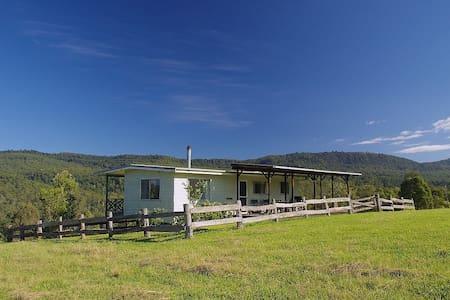 Wallaby Creek Retreat Farm Cottage