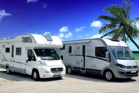 Luxury motorhome / camper /RV for 4 - Spodnje Jarše - Asuntoauto