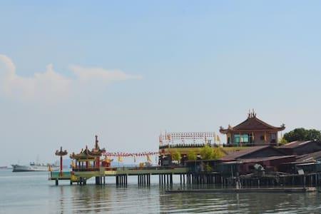 hostel silence sea library - Pulau Pinang