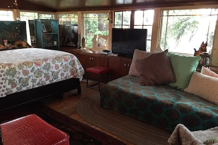MysticPortal 420TreehouseRmW/Views! Private Bath - Colorado Springs