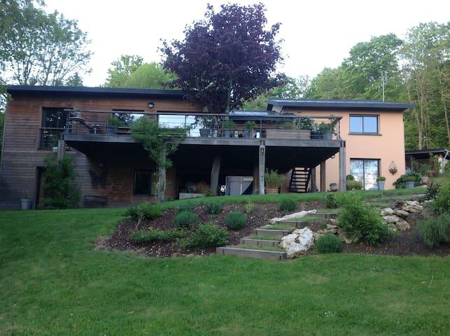 Belle demeure contemporaine - Morancez - House