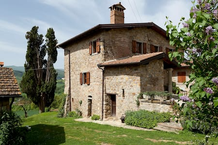 Rustic Chic Cottage in Tuscany - Αρέτσο - Bed & Breakfast