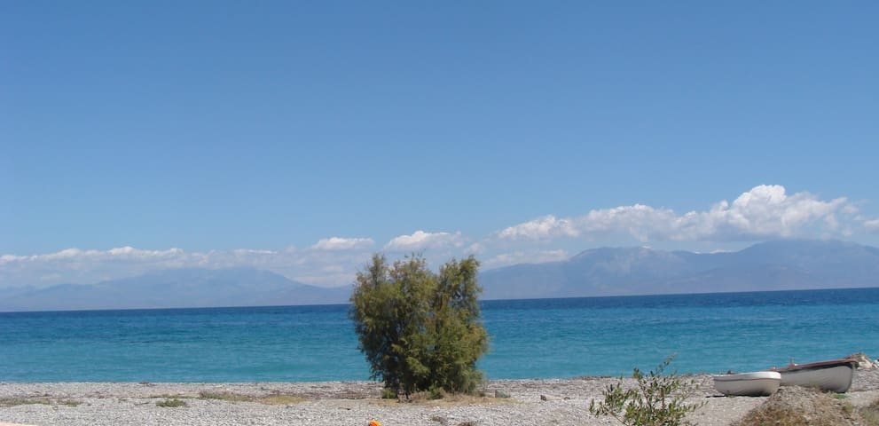 Side sea view apt, 10m. from sea - Κατω Διμηνιο - Daire