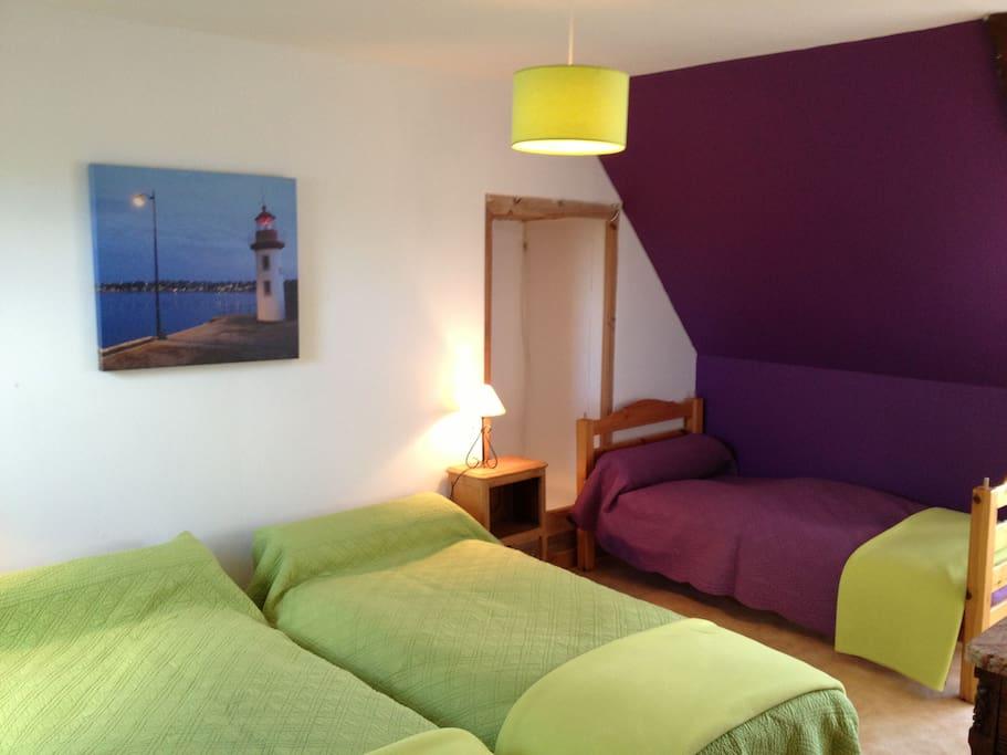 Chambre de 4 lits simples