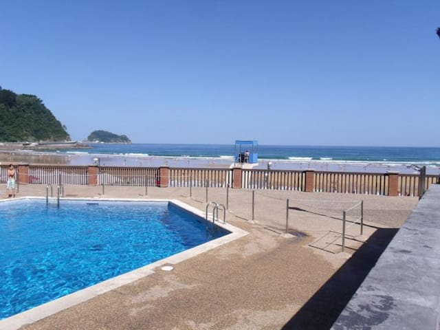 Beach House with Pool & Garden - Zarautz