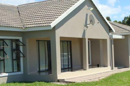 Maoela House- Sodwana Bay