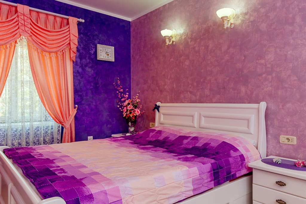 This room (Princess) offers a view of the sea and a large double bed.