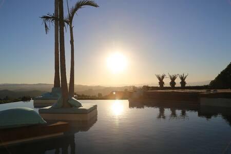 Chic Beverly Hills Villa - Beverly Hills