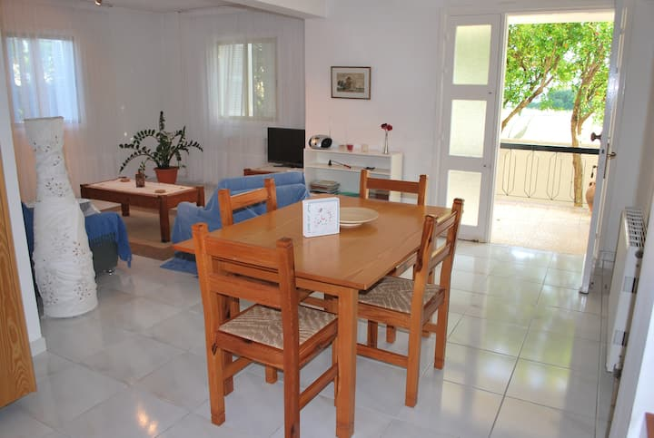 Comfy apartm/house for holiday and work