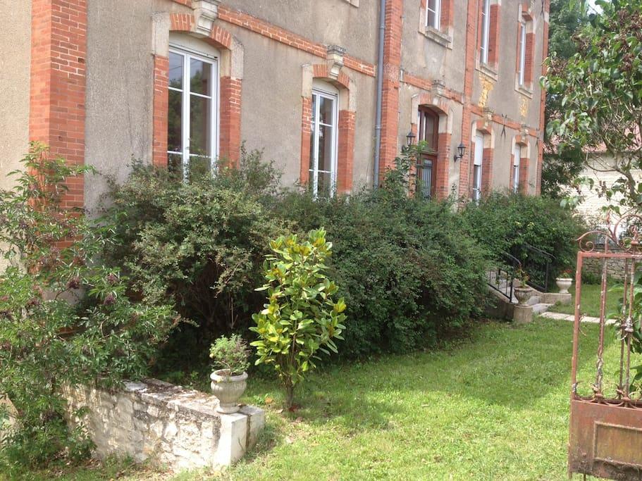 jardin devant la villa