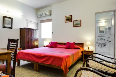 Safe & Cosy B&B II - 25 minutes from City Centre - New Delhi - Aamiaismajoitus