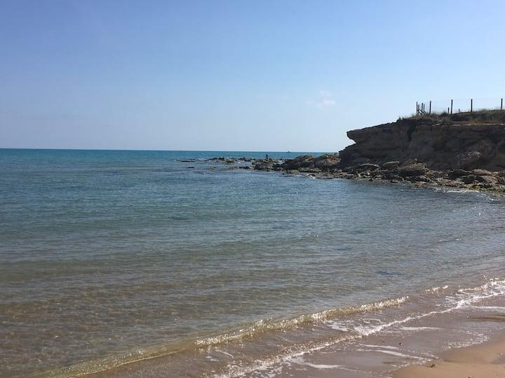 La Coccinella a 70 mt dal mare Caucana Punta Secca
